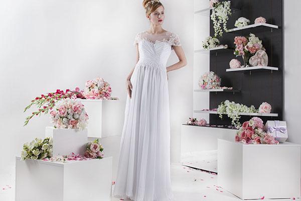 bílé svatební šaty ze šoifónu