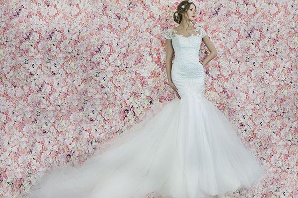 svatební šaty střihu mořská panna s tylem