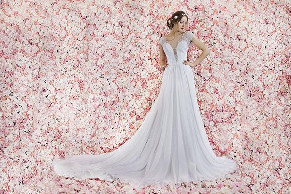 svatební šaty ze splývavého šifonu