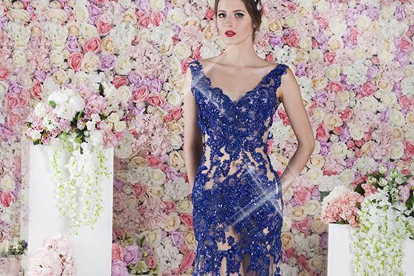 Průhledné společenské šaty elektricá modrá