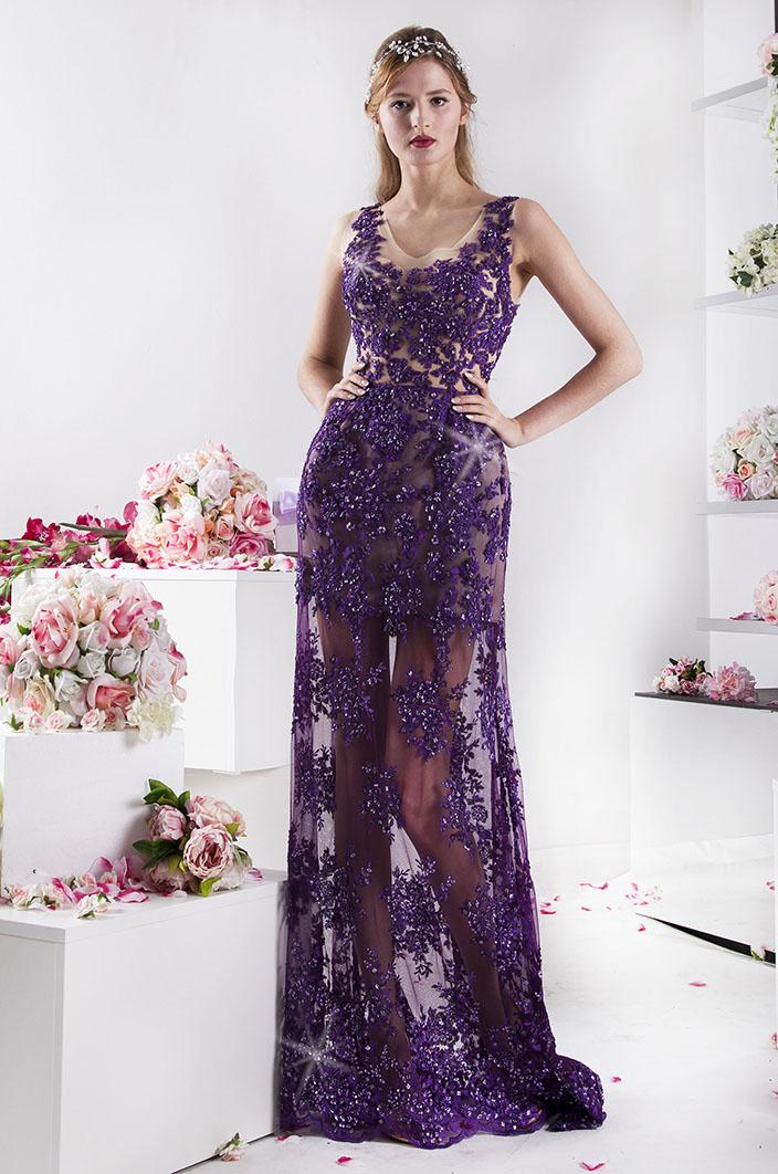 fialové společenské šaty z krajky