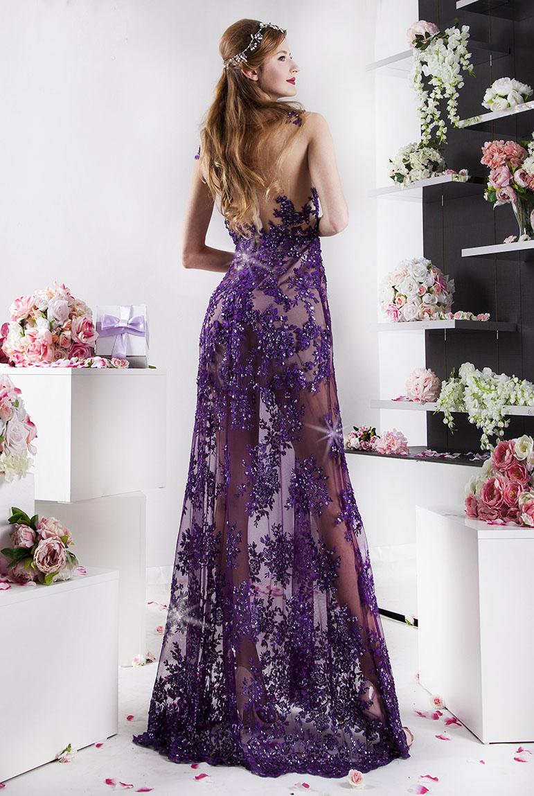 společenské šaty z fialové krajky