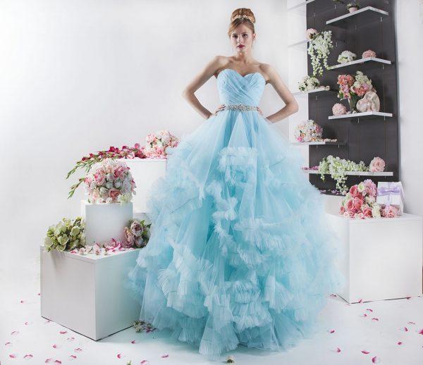 velmi objemné šaty na maturitní ples