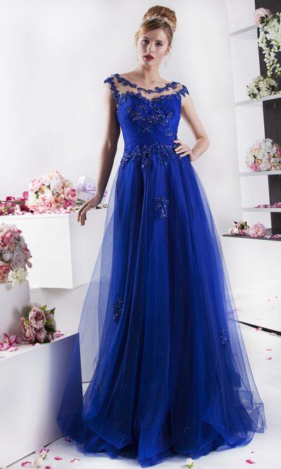 krásné modré šaty na ples