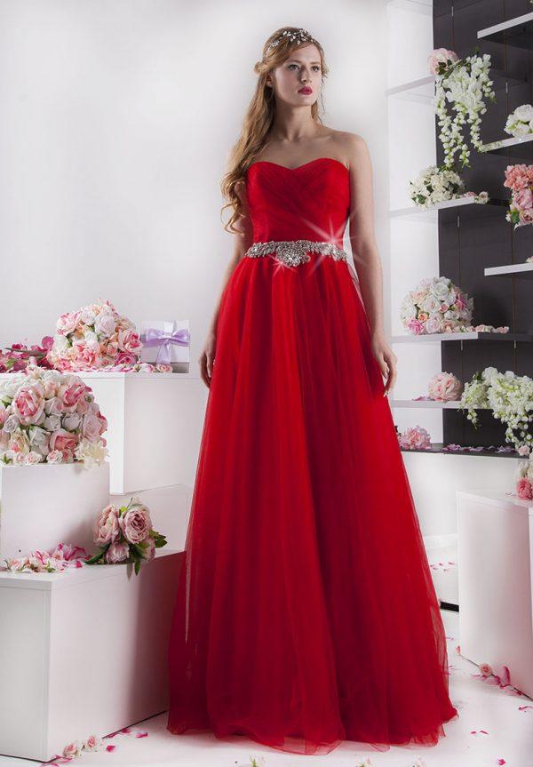červené šaty na maturitní ples se štrasem