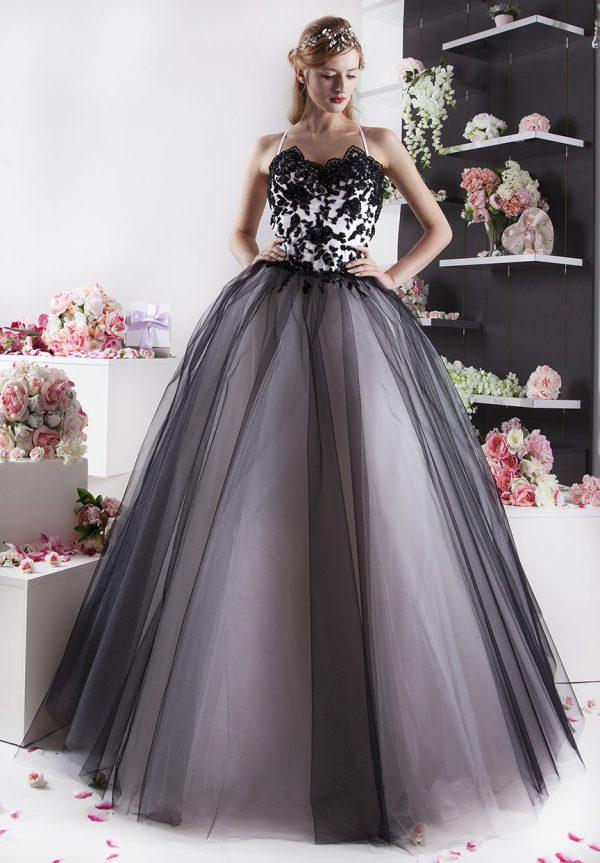 černobílé šaty na ples velmi elegantní