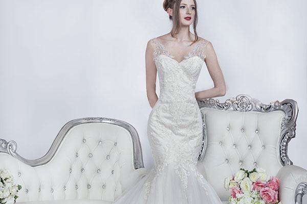 ženské svatební originální šaty