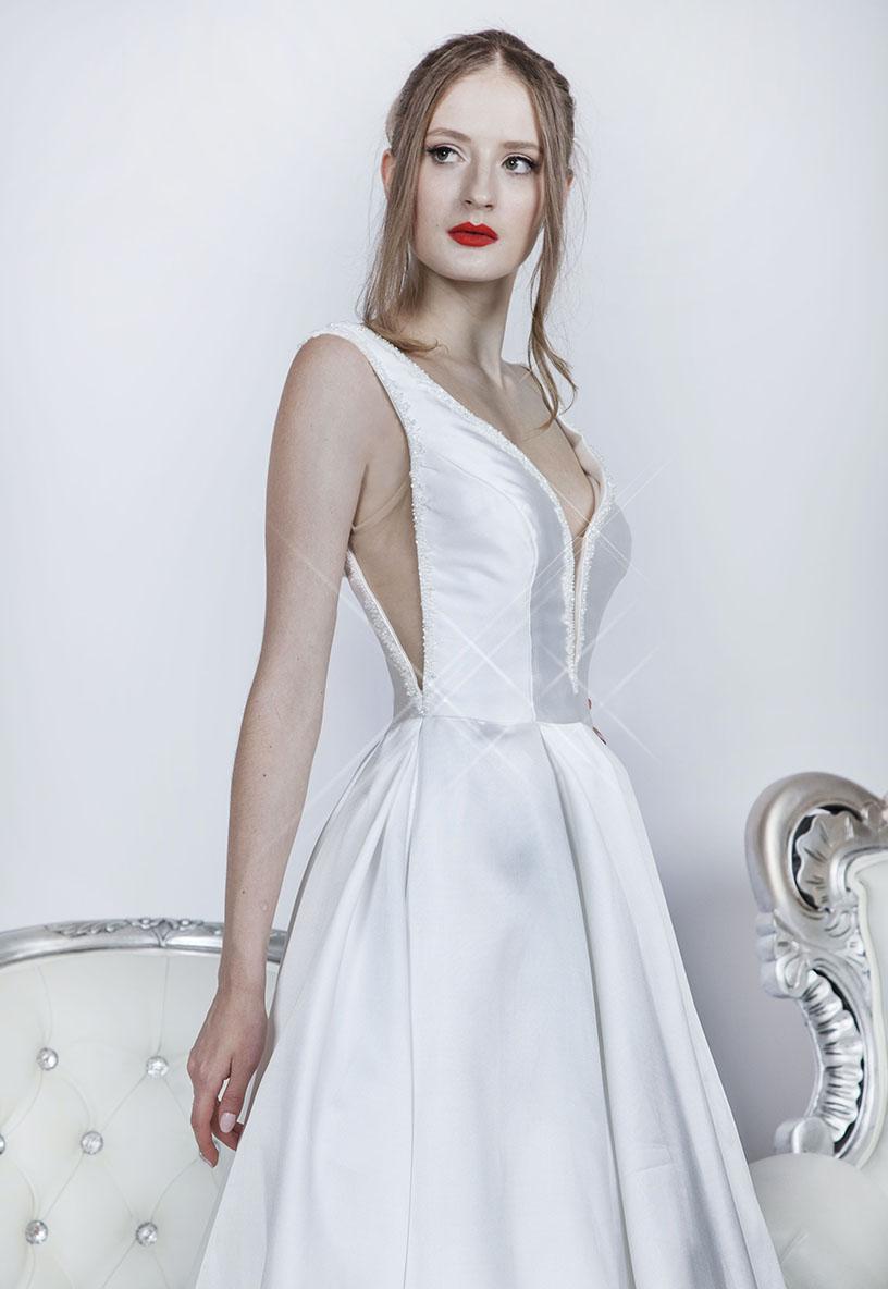 Svatební šaty z elegantního mikada