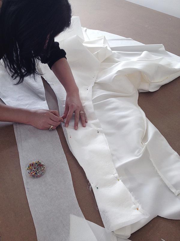 Výroba individuálního střihu svatebních šatů
