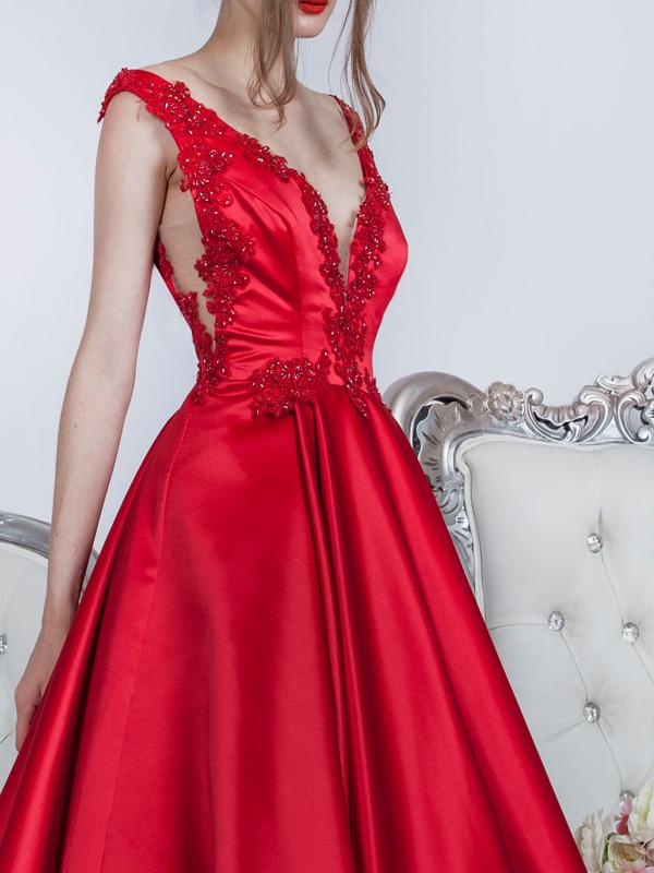 Milujete sexy společenské šaty? Tak to musíte mít tyhle