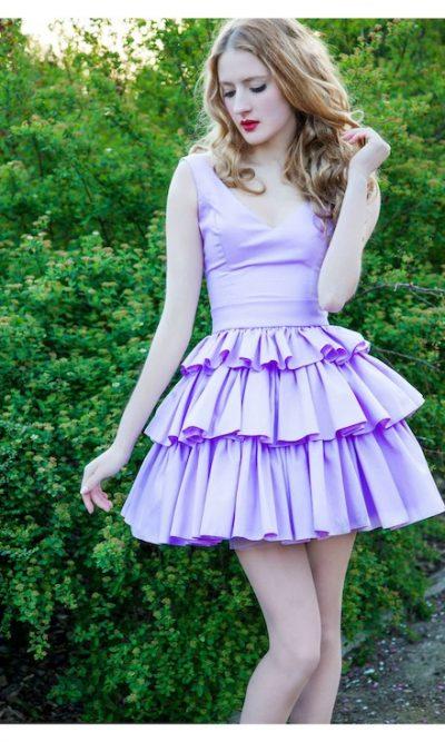 Krátké kokejlky na svatbu lila fialové pastelové barvy