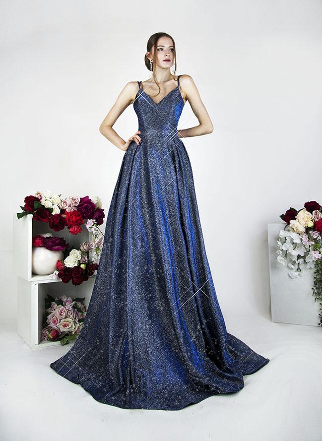 Modré plesové šaty s tenkými ramínky