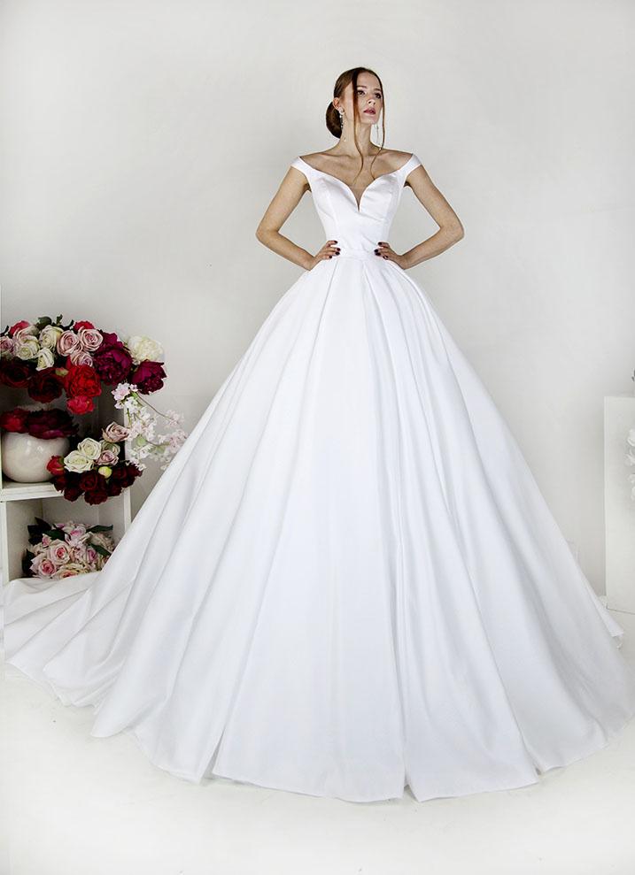 Svatební šaty Praha půjčovna