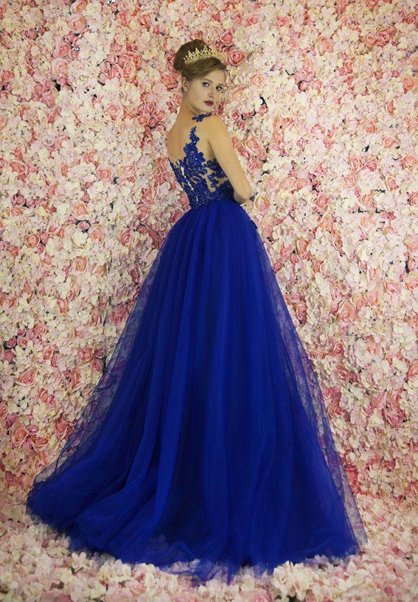 Plesové šaty tmavě modré barvy