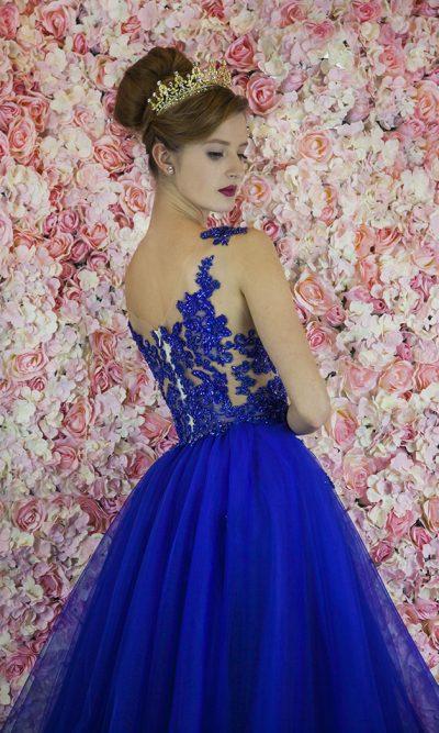 Maturitní šaty s tylovou princeznovskou sukní