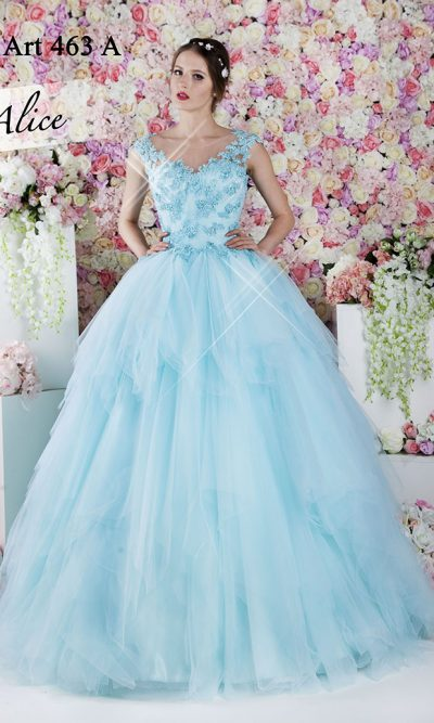Společenské šaty na ples originální barvy