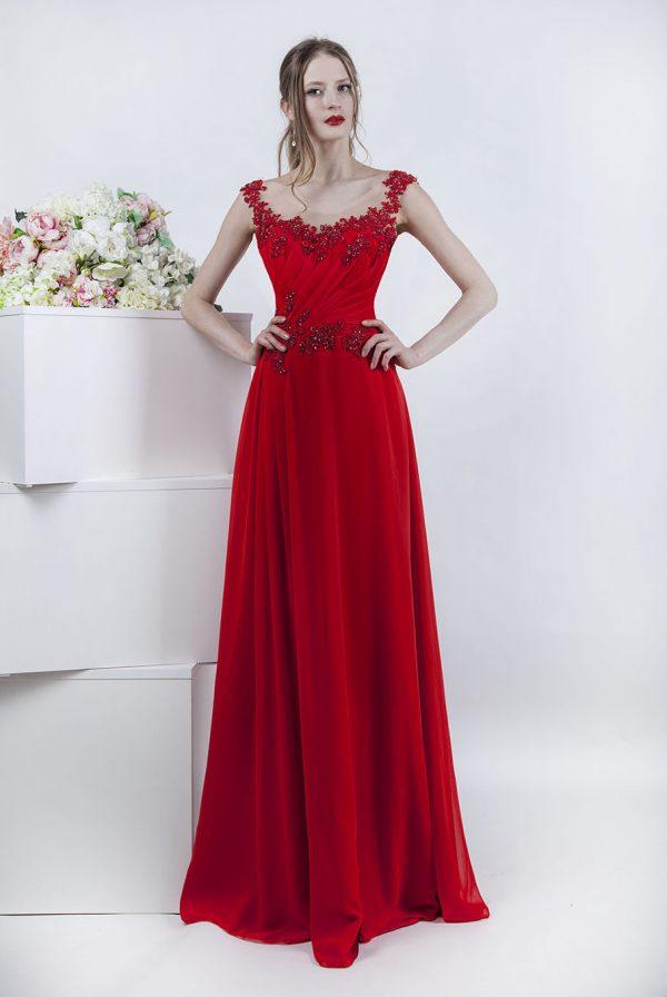 Splývavé společenské šaty z červeného šifónu