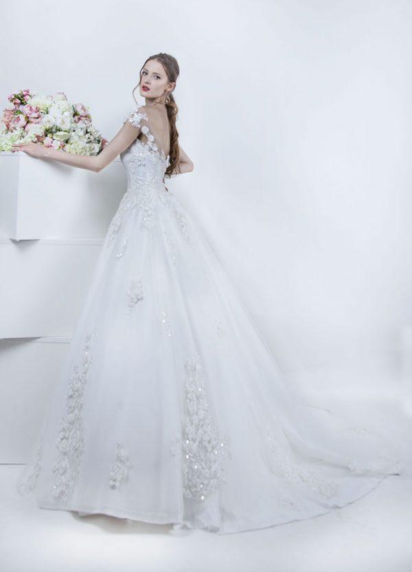 Bílé svatební šaty Praha