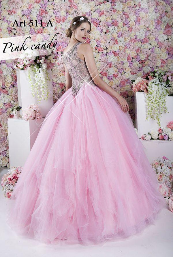 Princeznovské růžové šaty na maturitní ples