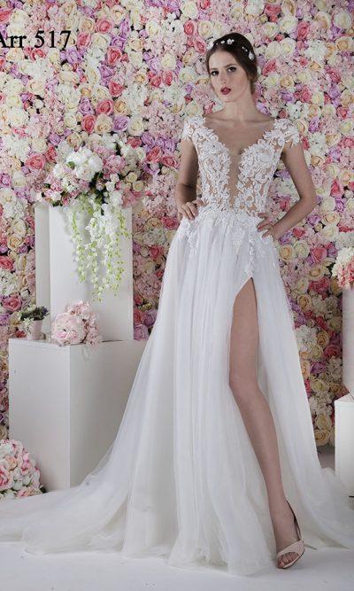 Svatební šaty s průhledným vrškem