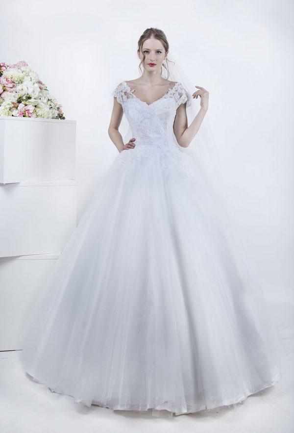 Originální a elegantní svatební šaty Praha