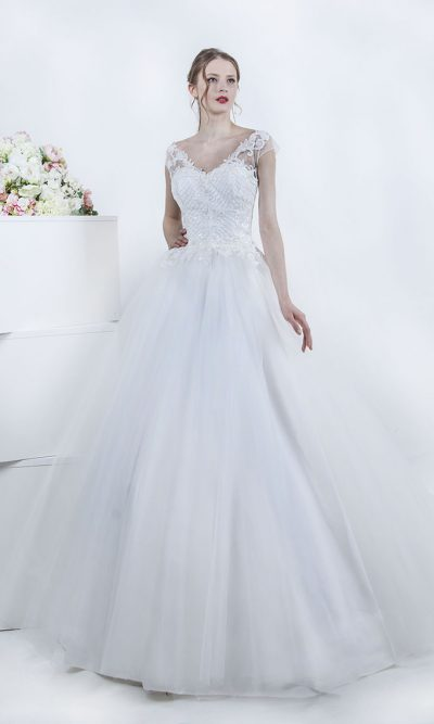 Svatební šaty s impozantní sukní