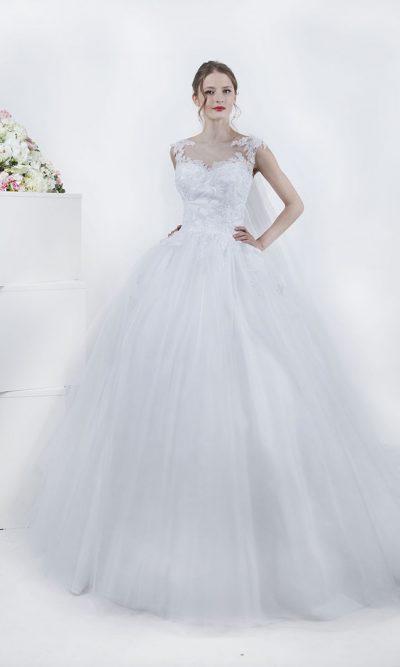 Svatební šaty s vypásovaným pasem