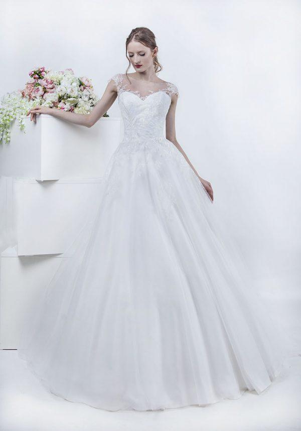Krásné svatební šaty s tylovou sukní