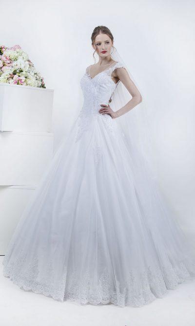 Svatební šaty s bohatou tylovou sukní