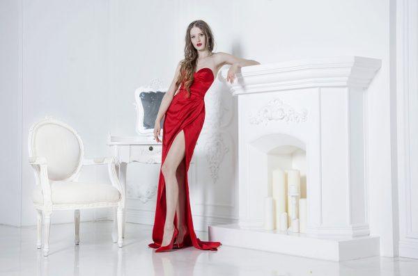 Krásný korzet společenských šatů