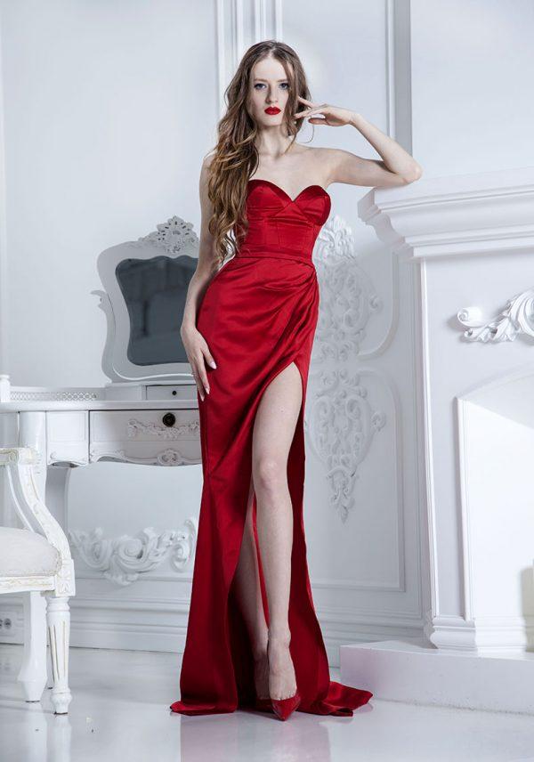 Objevte tyto luxusní společenské šaty Praze