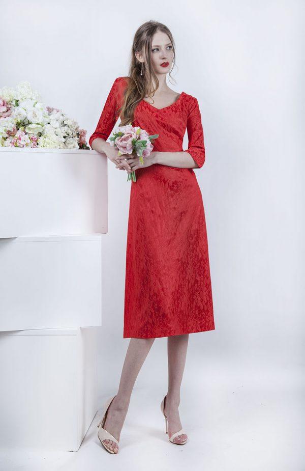 Korálové krátké společenské šaty s květinovým motivem