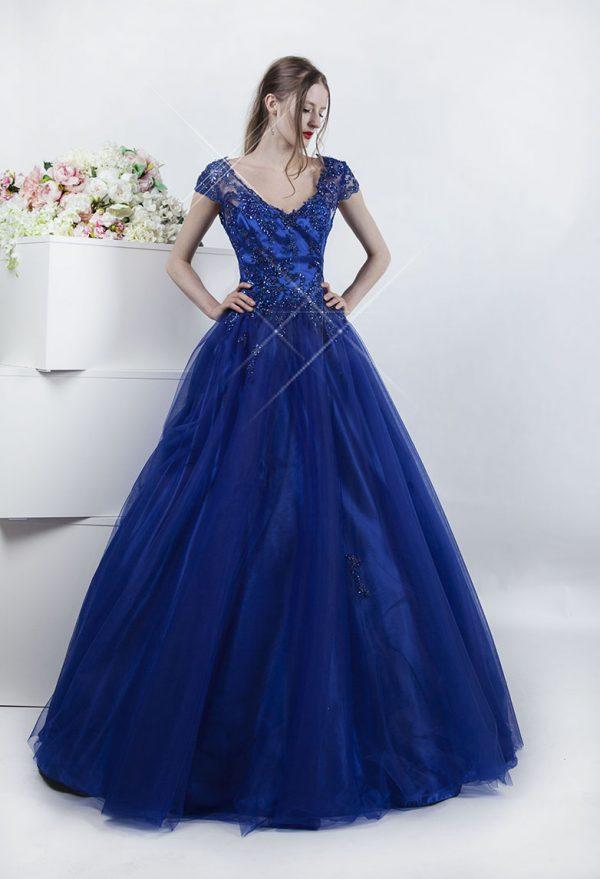 Tento model společenských šatů si oblíbíte