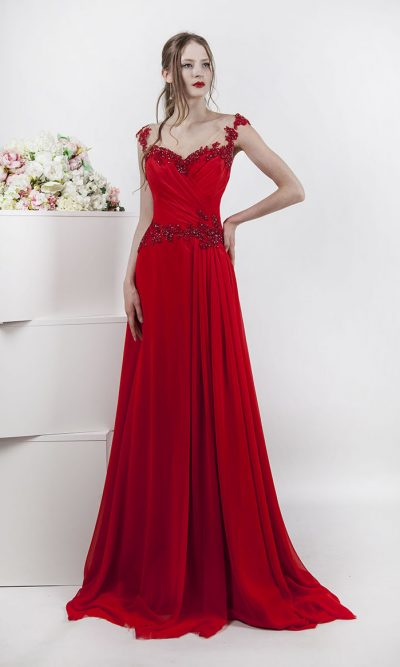 Dlouhé společenské šaty červené barvy na svatbu
