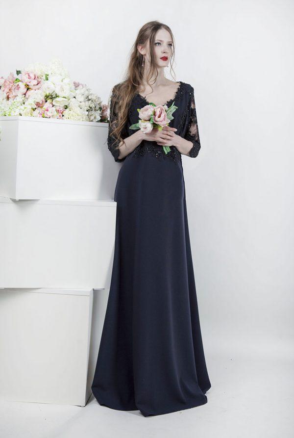 Večerní šaty pro plnoštíhlé ženy