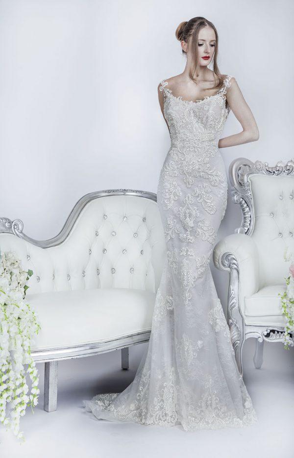 Rybičkové svatební šaty celé vyšívané