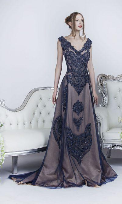Společenské šaty se symetrickou výšivkou