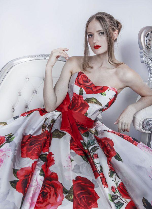 Plesové květinové šaty s bohatou sukní