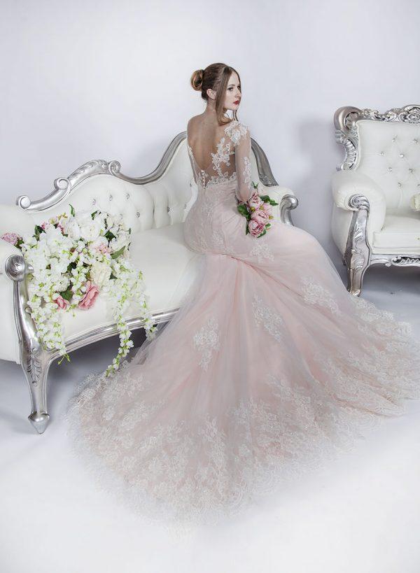 Svatební šaty na půjčení pro nevěsty