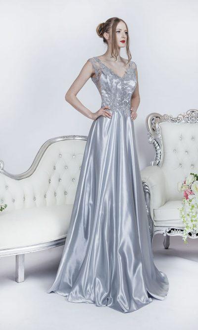 Saténové stříbrné společenské šaty