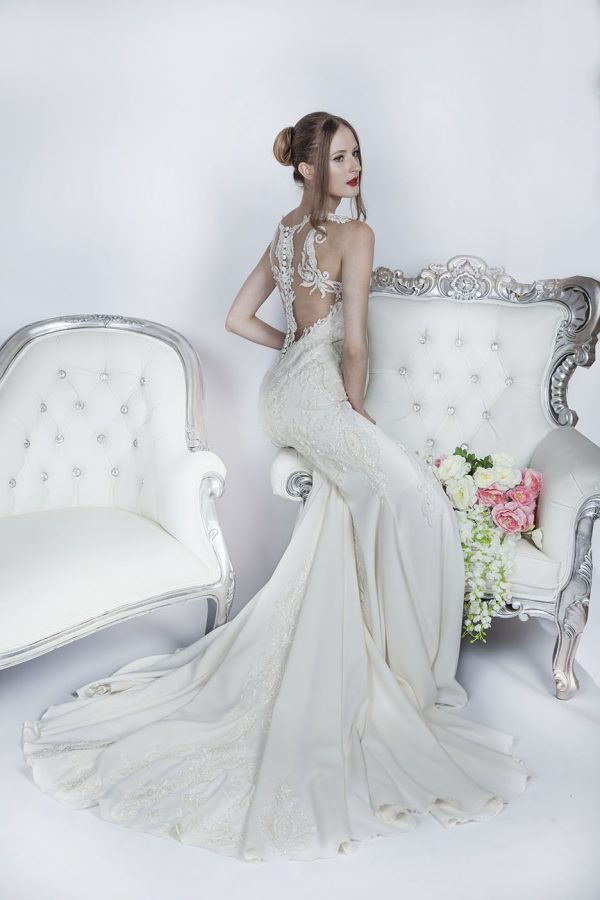 Krásné svatební šaty pro elegantní nevěstu