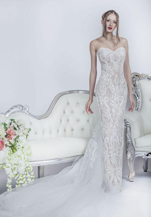 Svatební šaty s tělovým sexy podkladem