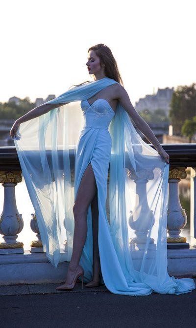 Večerní šaty s rozparkem Praha