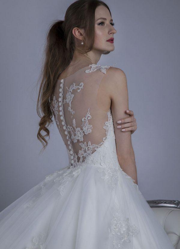Svatební šaty pro princeznovskou nevěstu
