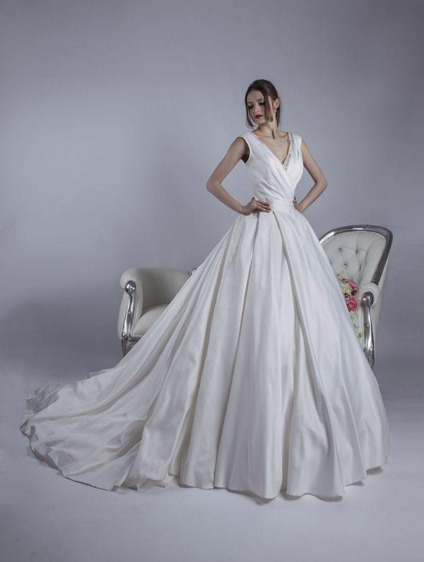 Krásné kouzelné svatební šaty velké velikosti