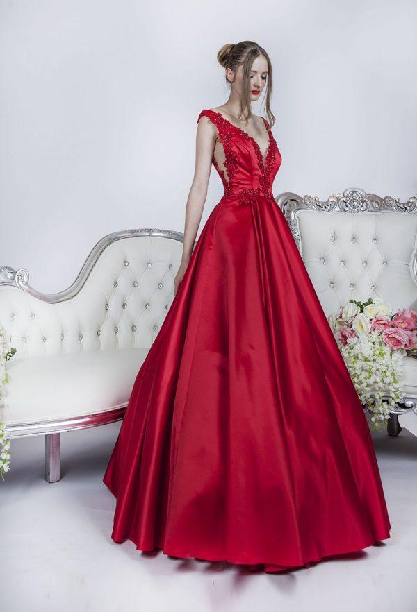 Luxusní společenské šaty červené barvy na maturitní ples