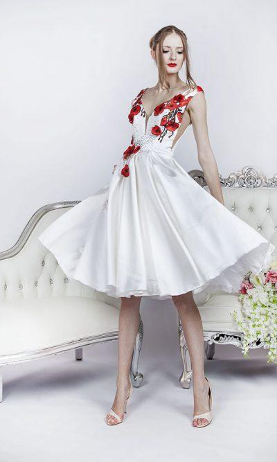 Velmi sváteční krátké koktejlové šaty