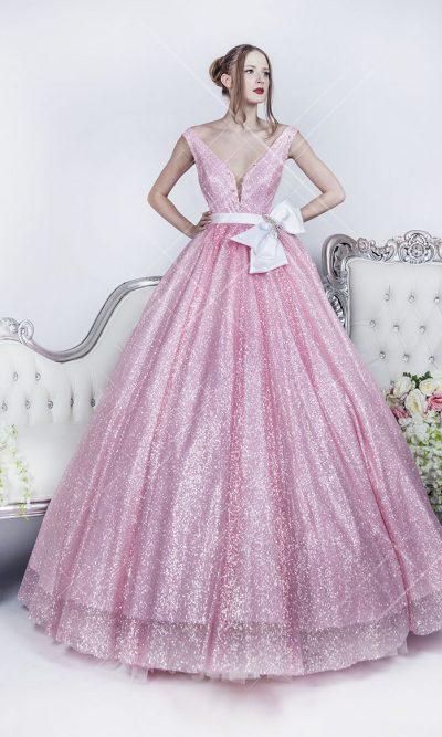 Plesové šaty plné třpytek růžové barvy