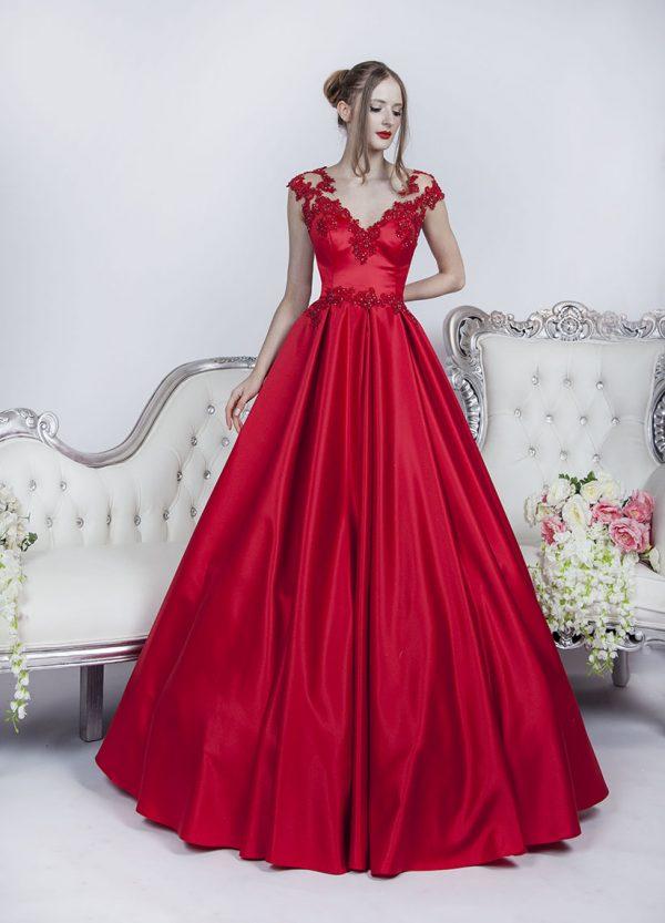 ádherné a koizelné plesové šaty červené barvy