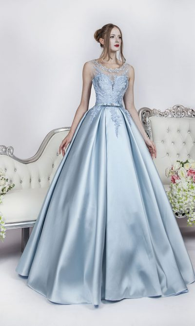 Luxusní plesové šaty s luxusní sukní a krajkou